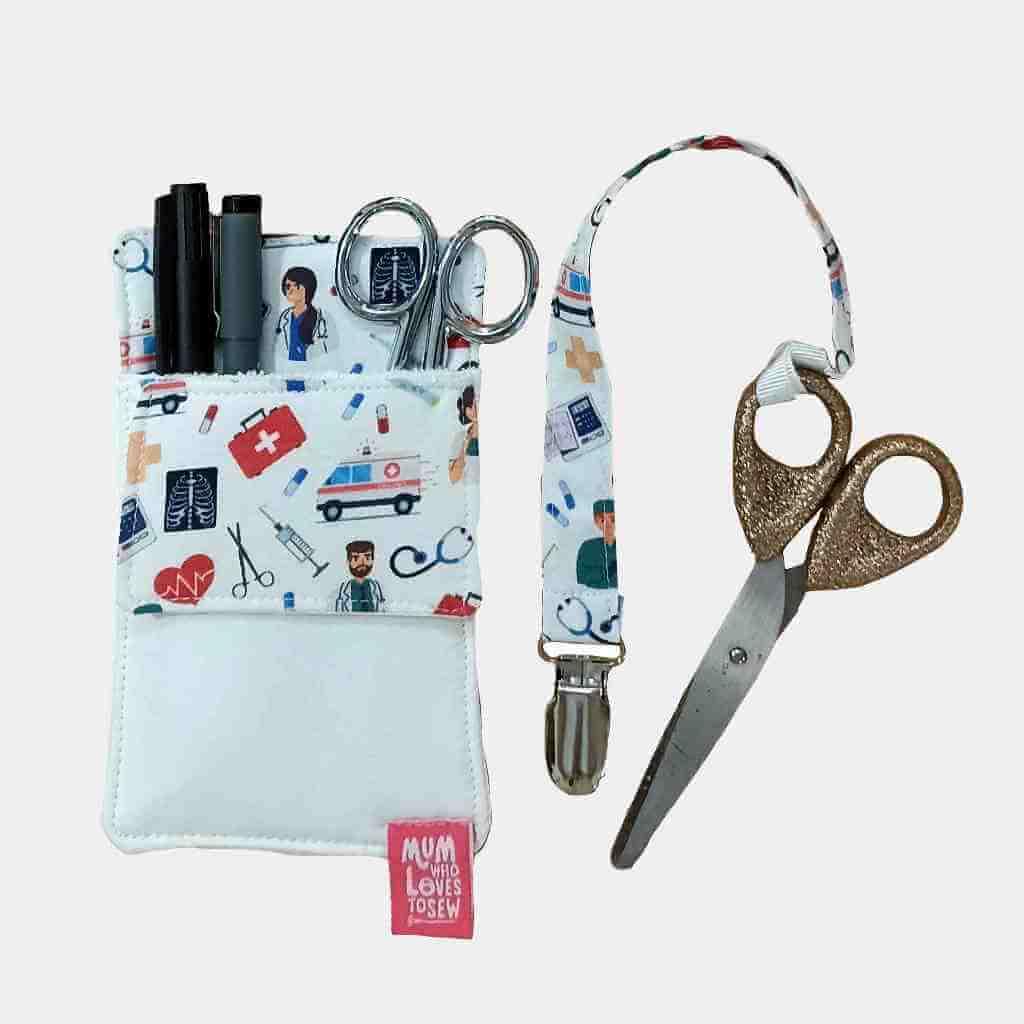 Enfermagem: Salva bolsos e Fita da tesoura . Conjunto de enfermagem